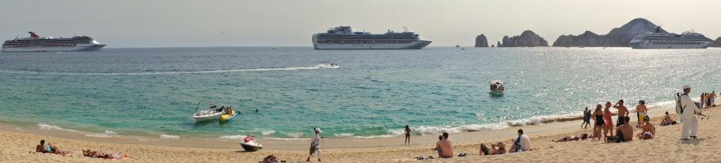 Cabo Cruise Ships